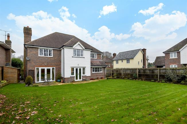 £3,000 per Calendar Month, 5 Bedroom Detached House To Rent in Lewes, BN8