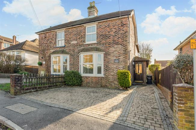 £1,350 per Calendar Month, 3 Bedroom Semi Detached House To Rent in Haywards Heath, RH16