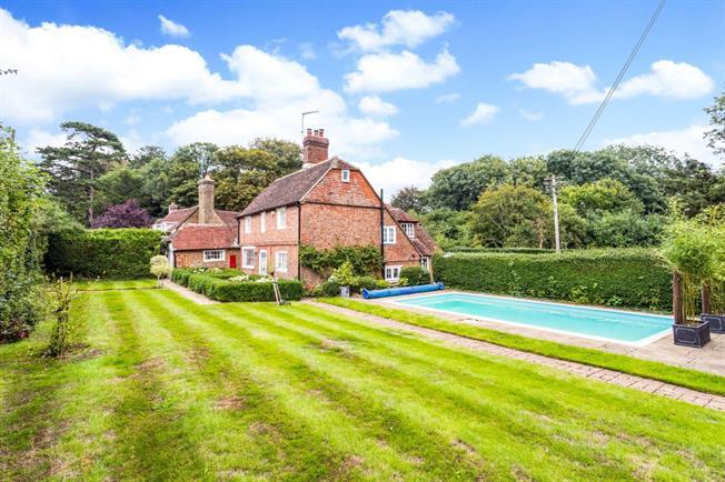 £3,500 per Calendar Month, 5 Bedroom Detached House To Rent in Cooksbridge, BN8