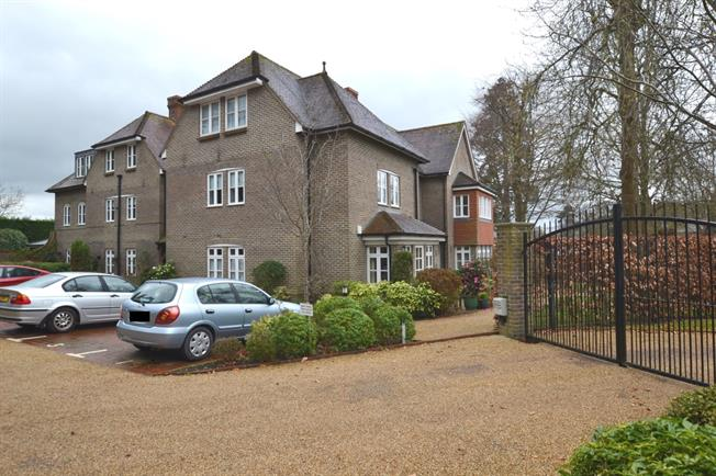 £1,350 per Calendar Month, 3 Bedroom Apartment To Rent in Lindfield, RH16