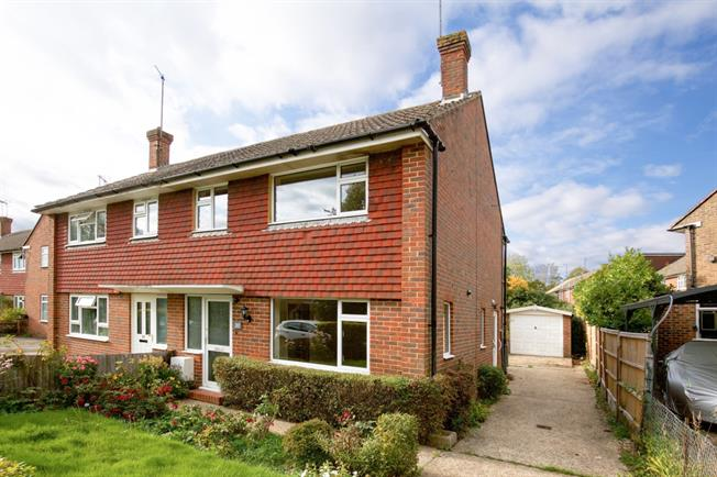 £1,100 per Calendar Month, 2 Bedroom End of Terrace House To Rent in Lindfield, RH16