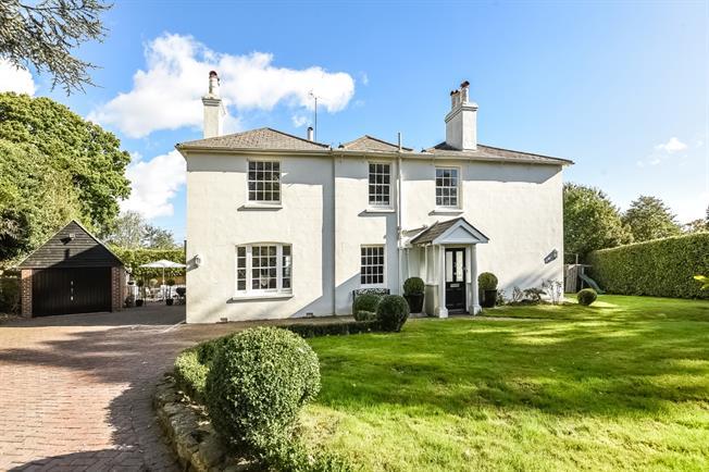 £4,500 per Calendar Month, 5 Bedroom Detached House To Rent in Haywards Heath, RH16