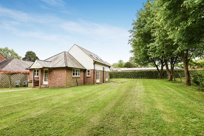 £2,000 per Calendar Month, 3 Bedroom Detached House To Rent in Westmeston, BN6