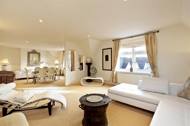 £3,475 per Calendar Month, 4 Bedroom Apartment To Rent in Henley-on-Thames, Oxfords, RG9