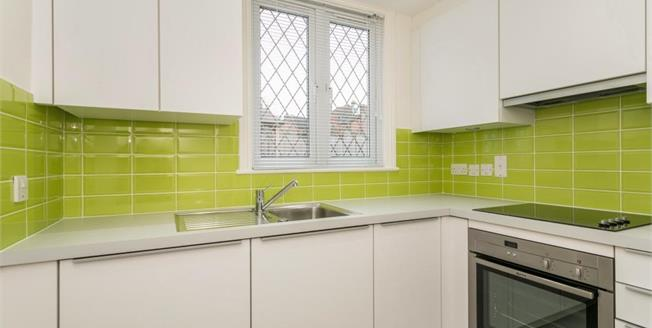 £1,350 per Calendar Month, 2 Bedroom Apartment To Rent in Reading, RG4