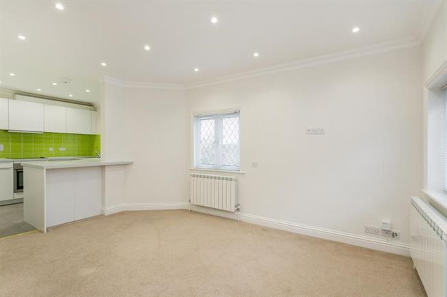 £1,350 per Calendar Month, 2 Bedroom Apartment To Rent in Sonning, RG4