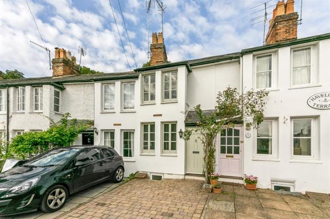 £1,250 per Calendar Month, 2 Bedroom Terraced House To Rent in Henley-on-Thames, RG9