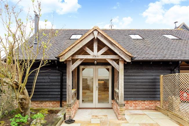 £1,650 per Calendar Month, 2 Bedroom House To Rent in Henley-on-Thames, RG9