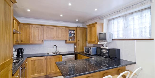 £1,711  per Calendar Month (Calculated), 2 Bedroom Flat To Rent in Hoxton, London, N1
