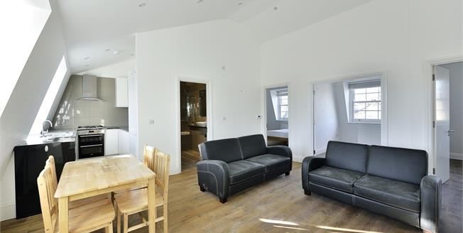 £3,011  per Calendar Month (Calculated), 3 Bedroom Apartment To Rent in London, N1