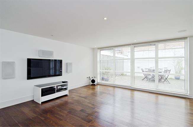 £3,878  per Calendar Month (Calculated), 2 Bedroom Apartment To Rent in London, N1