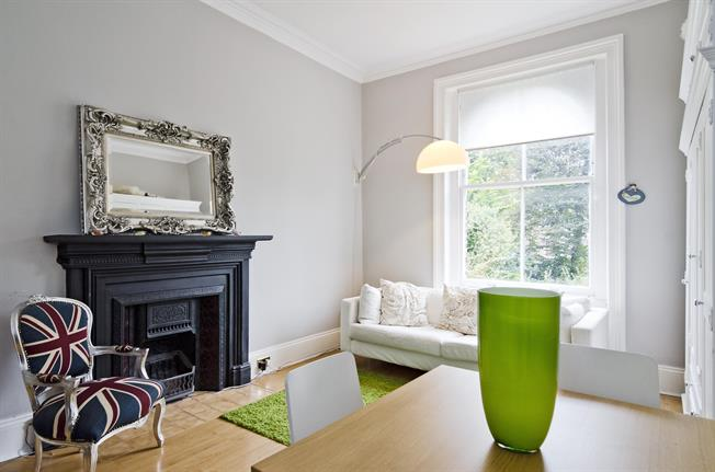 £1,776  per Calendar Month (Calculated), 1 Bedroom Apartment To Rent in N5