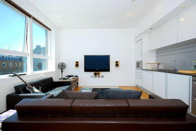 £1,798  per Calendar Month (Calculated), 1 Bedroom Apartment To Rent in London, WC1X