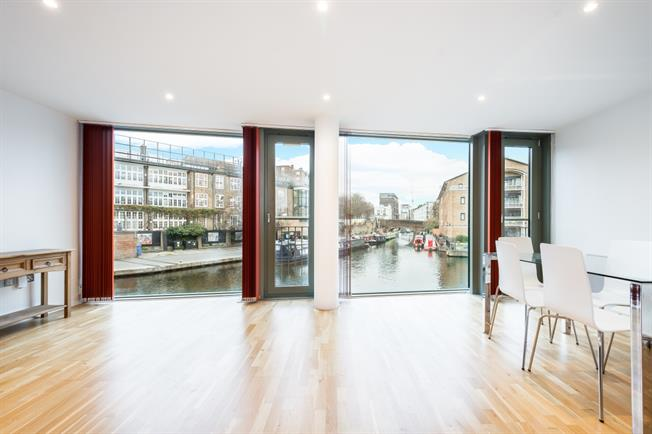 £2,816  per Calendar Month (Calculated), 2 Bedroom Apartment To Rent in London, N1