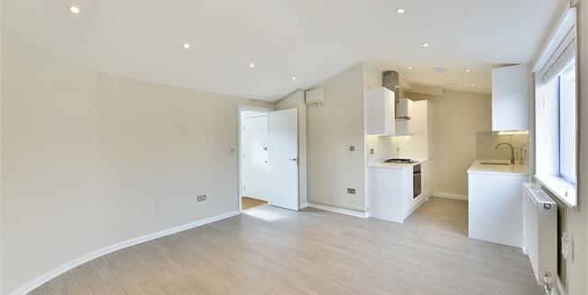 £1,625  per Calendar Month (Calculated), 1 Bedroom Flat To Rent in London, N1