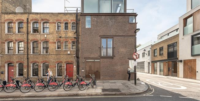 £5,178  per Calendar Month (Calculated), 3 Bedroom House To Rent in London, WC1N