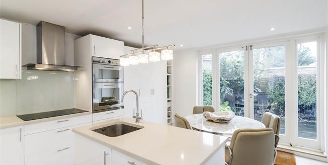 £6,045  per Calendar Month (Calculated), 3 Bedroom Flat To Rent in London, N1