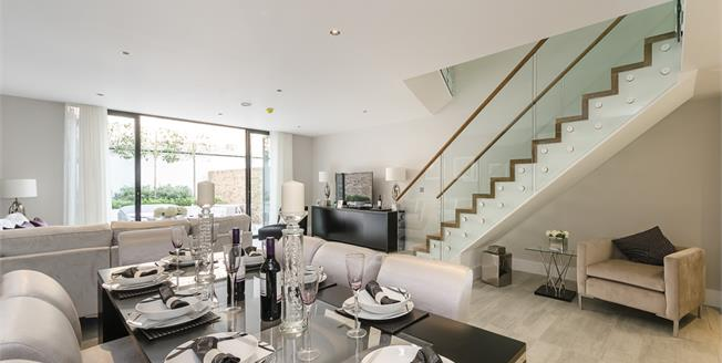 £6,066  per Calendar Month (Calculated), 5 Bedroom Town House To Rent in London, N5