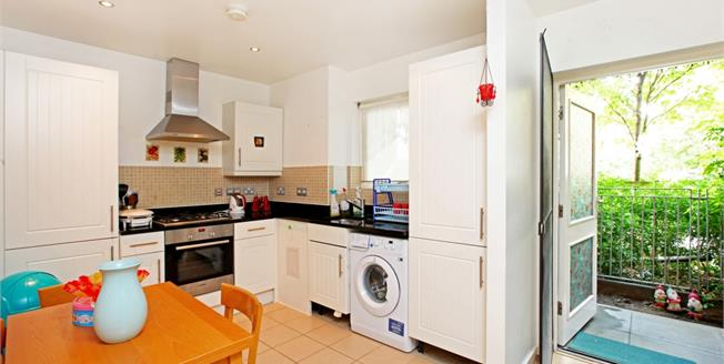£2,145  per Calendar Month (Calculated), 2 Bedroom Flat To Rent in London, N1