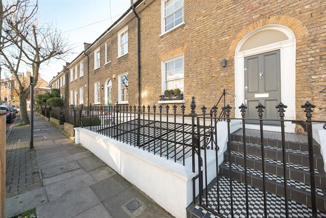 £4,983  per Calendar Month (Calculated), 3 Bedroom Terraced House To Rent in London, N1
