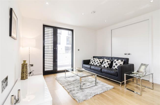 £3,011  per Calendar Month (Calculated), 3 Bedroom Flat To Rent in London, N5