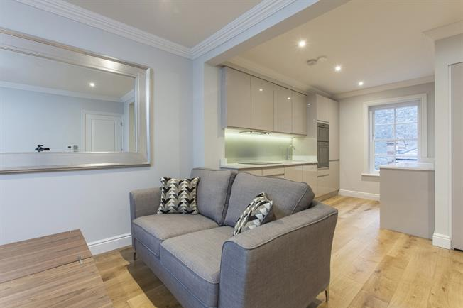 £1,993  per Calendar Month (Calculated), 1 Bedroom Flat To Rent in London, N1