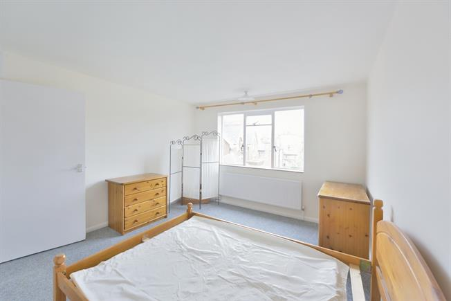 £1,386  per Calendar Month (Calculated), 1 Bedroom Apartment To Rent in London, N5