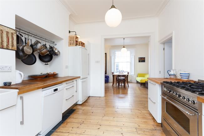 £4,311  per Calendar Month (Calculated), 4 Bedroom Terraced House To Rent in London, N1