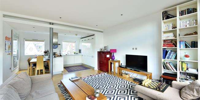 £3,445  per Calendar Month (Calculated), 2 Bedroom Flat To Rent in London, WC1X