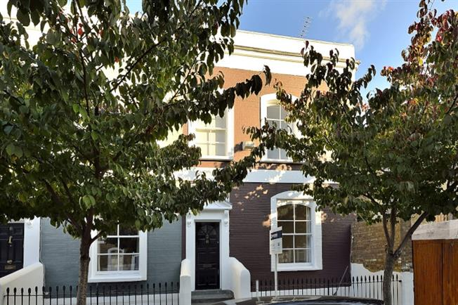 £2,816  per Calendar Month (Calculated), 3 Bedroom Terraced House To Rent in London, N1