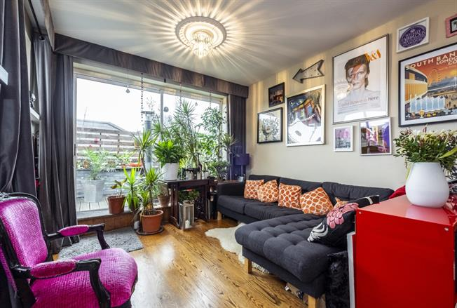 £2,383  per Calendar Month (Calculated), 2 Bedroom Flat To Rent in London, N19