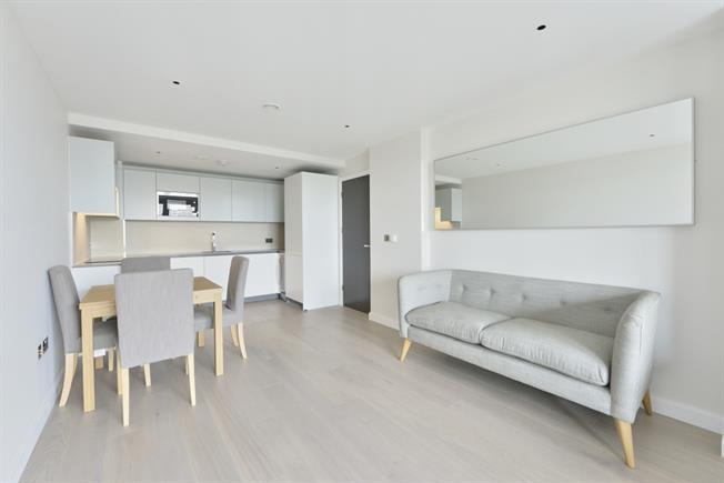 £2,188  per Calendar Month (Calculated), 1 Bedroom Apartment To Rent in London, N1