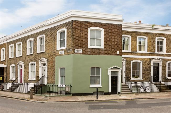 £3,358  per Calendar Month (Calculated), 3 Bedroom Terraced House To Rent in London, N1
