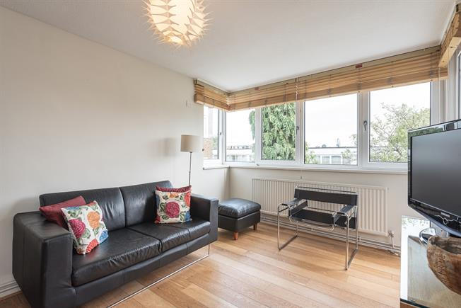 £1,711  per Calendar Month (Calculated), 1 Bedroom Apartment To Rent in London, N1