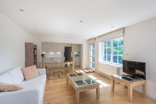 £3,141  per Calendar Month (Calculated), 3 Bedroom Apartment To Rent in London, N1