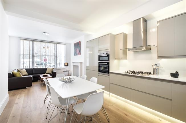 £3,575  per Calendar Month (Calculated), 2 Bedroom Maisonette To Rent in London, N1