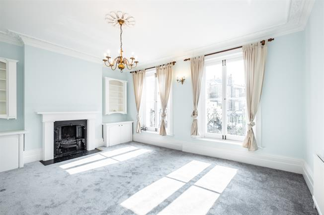 £3,358  per Calendar Month (Calculated), 3 Bedroom Apartment To Rent in Islington, N1