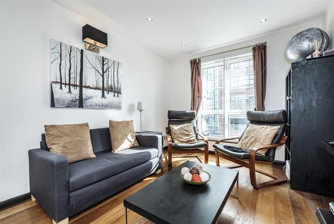 £2,600  per Calendar Month (Calculated), 2 Bedroom Apartment To Rent in London, N1