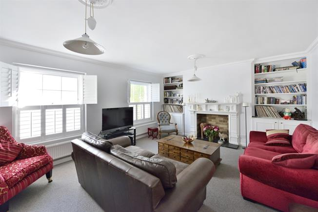 £3,445  per Calendar Month (Calculated), 2 Bedroom Flat To Rent in London, N1