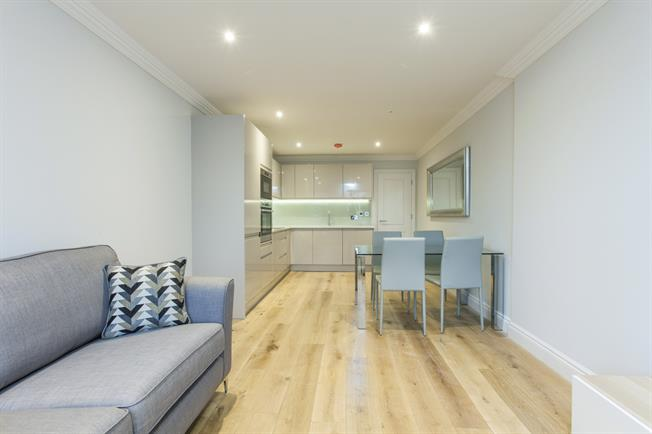 £2,318  per Calendar Month (Calculated), 2 Bedroom Flat To Rent in London, N1