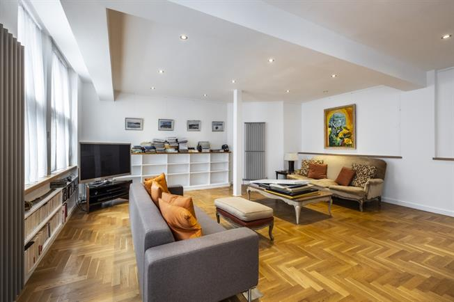 £3,445  per Calendar Month (Calculated), 2 Bedroom Apartment To Rent in London, EC1V