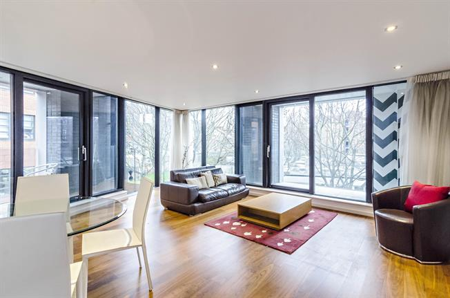 £2,275  per Calendar Month (Calculated), 1 Bedroom Apartment To Rent in London, N1