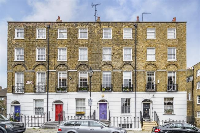 £3,011  per Calendar Month (Calculated), 2 Bedroom Maisonette To Rent in London, EC1R