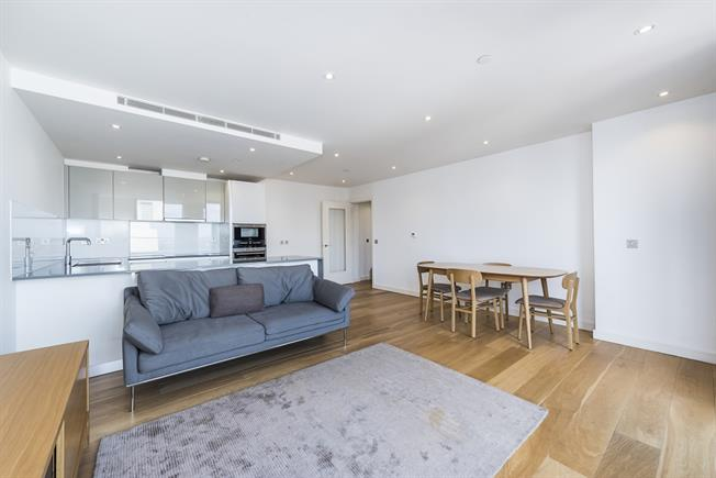 £3,250  per Calendar Month (Calculated), 2 Bedroom Flat To Rent in London, N1C