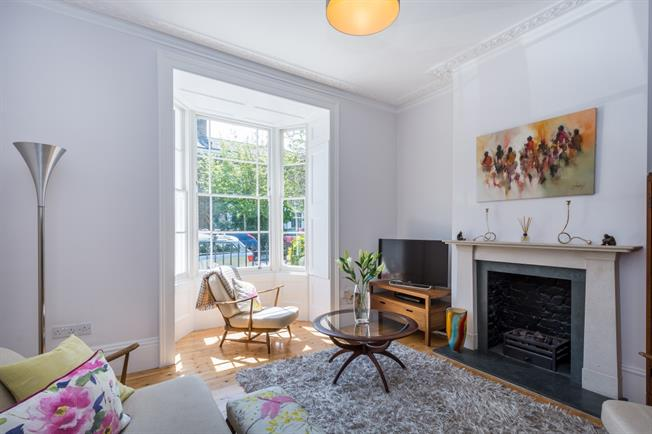 £3,445  per Calendar Month (Calculated), 3 Bedroom Terraced House To Rent in London, E8