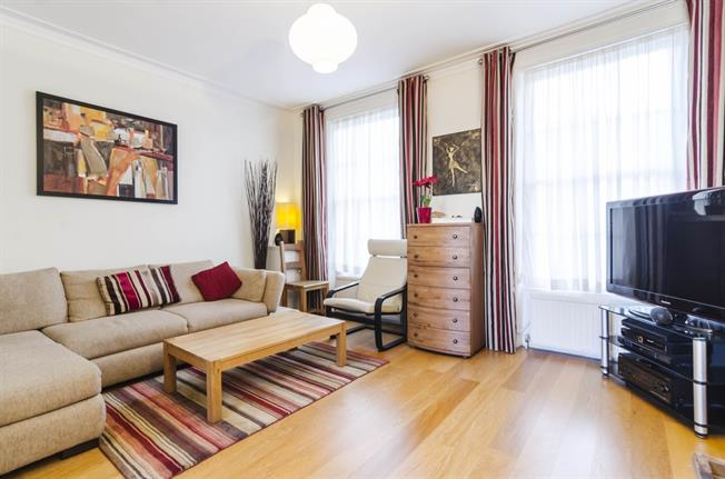 £2,816  per Calendar Month (Calculated), 2 Bedroom Duplex Apartment To Rent in London, N1