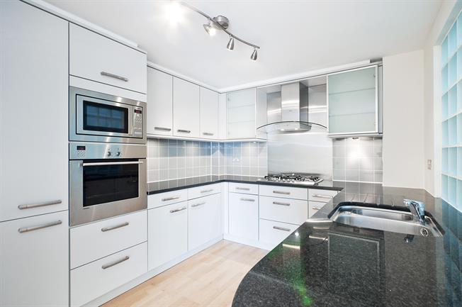 £2,578  per Calendar Month (Calculated), 2 Bedroom Apartment To Rent in London, WC1X