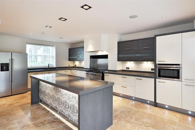 £8,645  per Calendar Month (Calculated), 6 Bedroom House To Rent in London, NW1