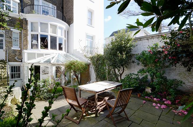 £14,083  per Calendar Month (Calculated), 5 Bedroom House To Rent in London, W8