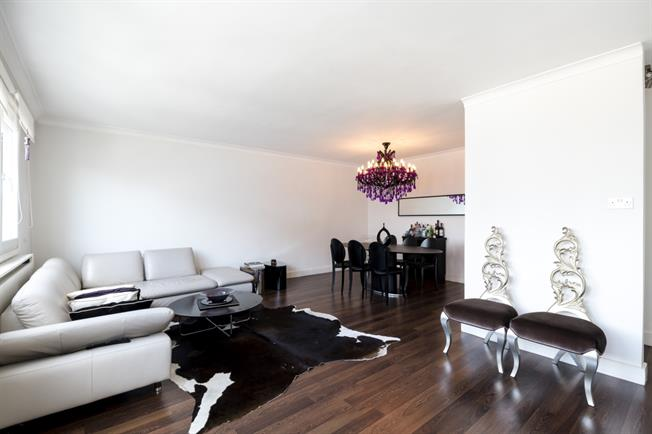 £3,358  per Calendar Month (Calculated), 1 Bedroom Apartment To Rent in London, W14